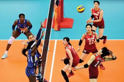日本女排关键战输给意大利,无缘摸牌。