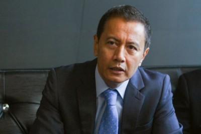 选举委员会主席阿兹哈哈伦。
