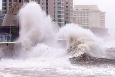 济州岛沿岸出现大浪。(法新社照片)