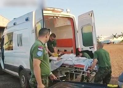 朝以再伤的中华人民转送到乌干达医治。