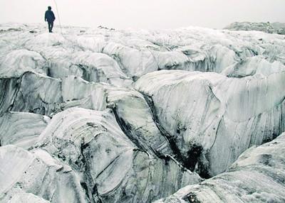 是的小组发现白水1号冰川每年以27米的进度在浓缩。