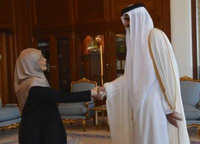 副首相拿督斯里旺阿兹莎(左)周末觐见卡塔尔国上赛达敏。