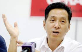 胡栋强:感谢两位党同志给予的信任。