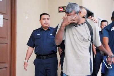 涉嫌戒毒所内鸡奸青年,一印裔中年被带上法庭面控。