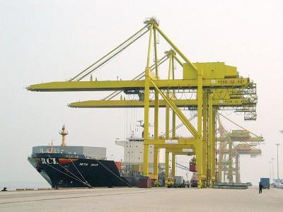 中央政府允诺会在北岸箱运码头装置扫描器,确保海关人员第一时间掌握箱内货品,以免再有业者企图浑水摸鱼。