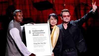 昂山素小2009年获颁良心大使奖。