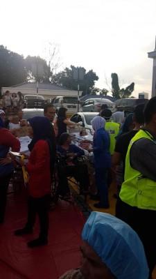 芙蓉KPJ专科医院传出诈弹惊魂,逾300名病人和医务人员被迫紧急疏散。