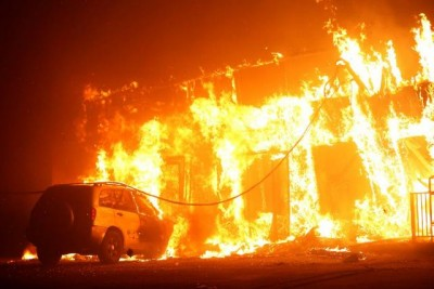 """""""坎普野火""""成为加州史上最致命野火。"""