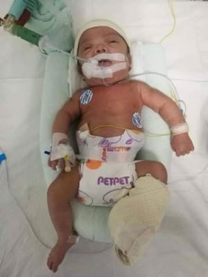 男婴目前按留院观察中。