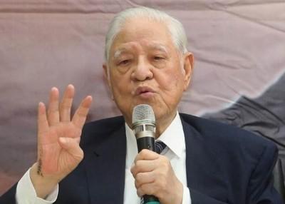台湾前总统李登辉周四在家不慎跌倒,被紧急送医。