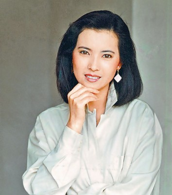 """蓝洁瑛美貌受封""""美绝五台山"""",出道超过20年先后同11阳传绯闻。"""