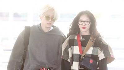 泫雅与E'Dawn出发前往巴黎,啊杂志拍摄写真。
