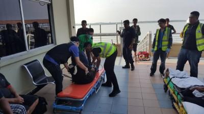 """商船""""MV Amanda""""沉没,6名船员获救,另3人仍下落不明。"""