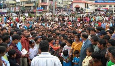 """""""世界人口最多的国家""""这个宝座,将于2024年易主给印度。"""