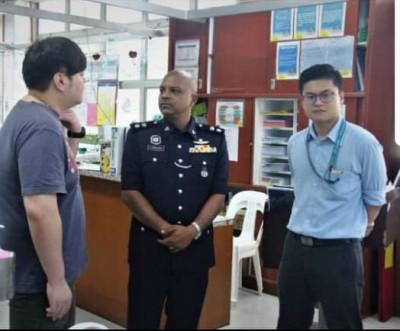 安峇拉甘(中)在加护病房探望华妇家属(左),亲自了解案情。