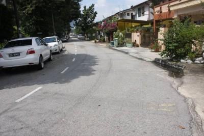 峇央峇鲁罗弄玛苏里路日前发生攫夺案。
