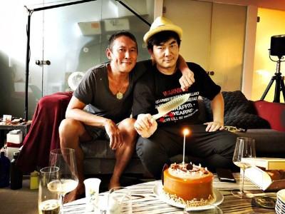 任贤齐(右)为戏增胖26公斤,体重飙破100公斤。