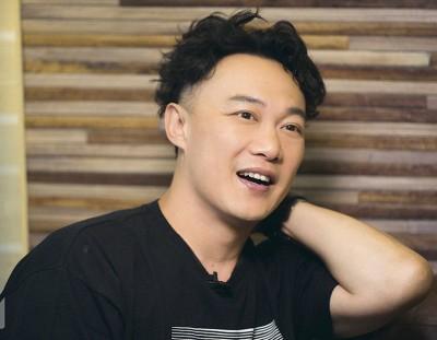 陈奕迅帮粉丝请假。