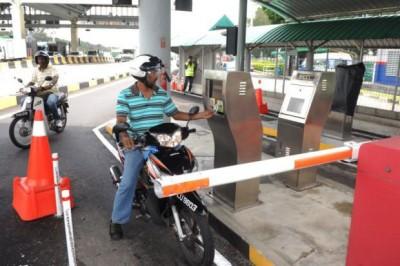 2019年1月1日开始,政府不再向使用槟城第一和第二大桥,以及柔佛马新第二通道的摩托车征收过路税。