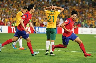 孙兴民(右)可能代表韩国征战亚洲杯。