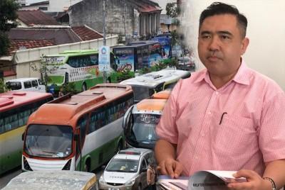 陆兆福:允许长途巴士业者,在新年间调涨车票。