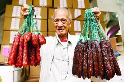 胡树球表示,广德所售卖的腊肠及润肠分为多种,分别有江门、公安门、永州及福兴,价格介于每公斤50至70令吉之间。