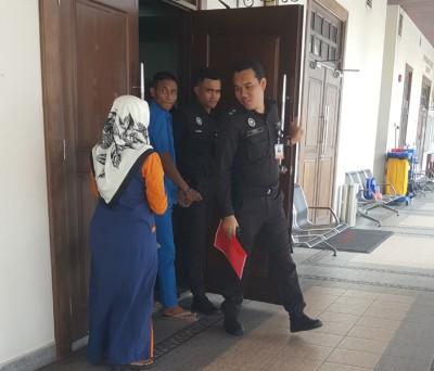 被告达米兹当由辩后,让警官押出法庭。