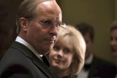 前蝙蝠侠基斯顿比尔增胖饰演美国前副总统Dick Cheney,一如预期提名影帝。