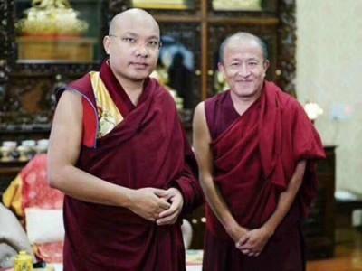 大宝法王噶玛巴(左)和宗萨钦哲仁波切。