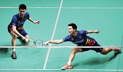 王耀新(左)与张御宇不放太多压力去迎战刘雨辰/李俊慧。