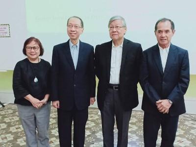代校长朱莱妮教授(左起)、丹斯里许子根、丹斯里沈联涛及拿督斯里叶良发。