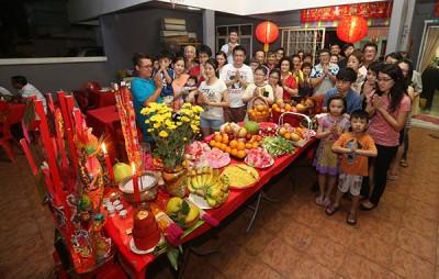 华裔福建人家庭都很注重拜天公。(配图)