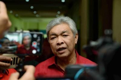 阿末扎希:巫伊合作是根据回教、马来人和国利益之拳拳之心合作。(档案照)