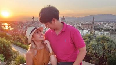 意大利佛罗伦斯的美景当作陪衬,这一路上,徜徉于他/她的目光里深深爱着。