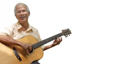 黄贵诗坦言,多得音乐,他连停下来感伤的时间都没有。