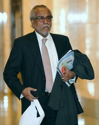 沙菲益今天获得高庭批准暂时取回护照。