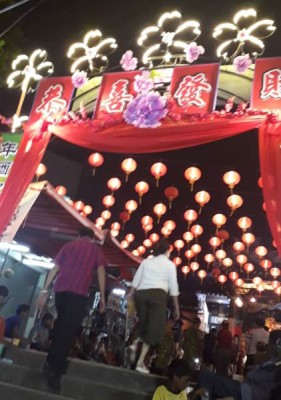 2019年万脚兰蛇庙新春庙会于大年初五于庙口盛大展开,让现场环绕着浓厚的新年气氛。