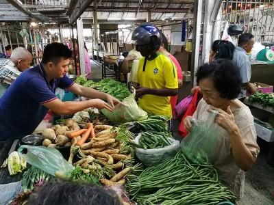 槟岛菜市场蔬菜货源充足,春节内还无涨价!