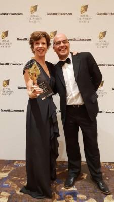 玛丽安祖莉专访纳吉之一致集电视节目获奖。