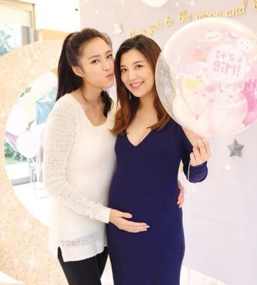 刘颖镟(左)晒出两人合照,单文柔手持气球,宣布怀女胎!