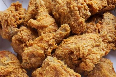 研究发现,每周至少吃一次炸鸡的女性,比没吃的女性早死。