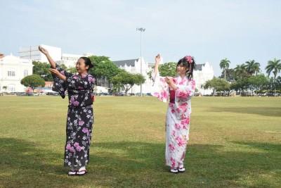 槟城独特的樱花舞蹈可在优管频道(Youtube)欣赏。