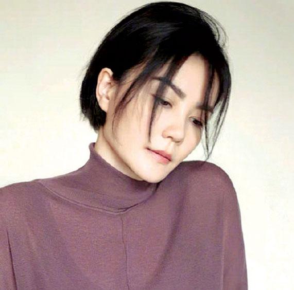 赵薇失联又曾与马云唱歌 网友担心王菲被连累